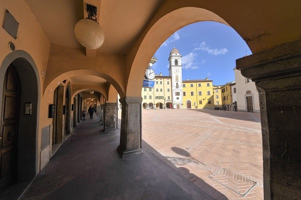 Rocca San Casciano (Fc): piazza Garibaldi